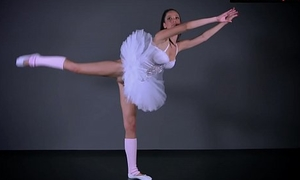 Sexy premiere danseuse Petino Impale